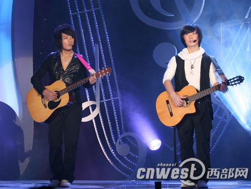 孙浩带来《中华民谣》   著名歌手于文华