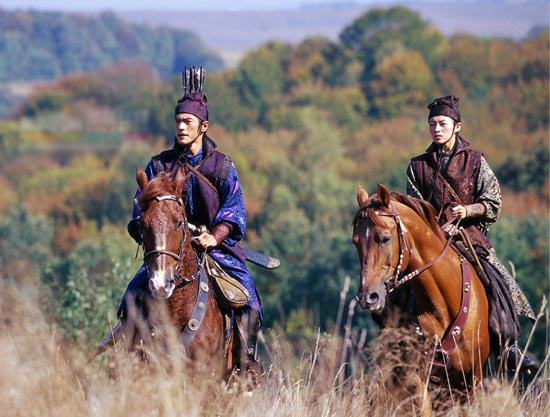 策马走天下 马背上的古装情侣