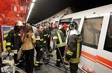 意大利罗马两列地铁列车追尾造成重大伤亡