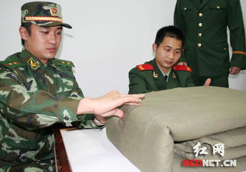 湖南金鹰卡通电视节目 主持人王东岳 一哥 学习