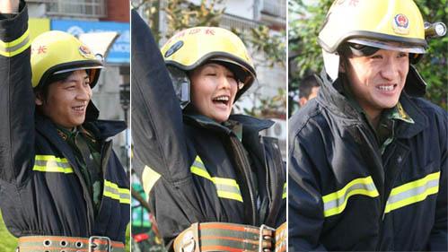 李好 yoyo和王东岳比赛练习穿消防服