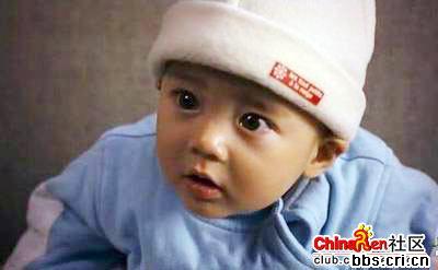 成龙 宝贝计划 的宝宝长大后的样子图片