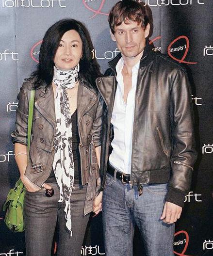 快乐大本营那英做菜_那英和汪峰结婚照图片_刘嘉玲和那英图片对比