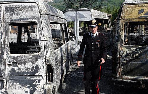 意大利南部发生纵火事件 疑是黑手党所为(图)