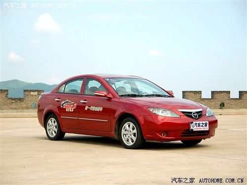 相对于海马3来说,同价位上的竞争车型很多,凯越,悦动,赛拉图高清图片