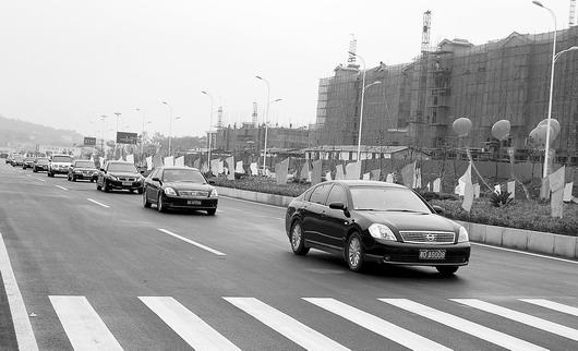 万家丽路长沙县暮云段竣工通车,成为长沙继芙蓉路之后的第二大南北主干道。图/记者斯茅庚