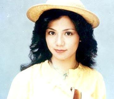 翁美玲初上银幕在《十三妹》中饰演皇帝妹妹