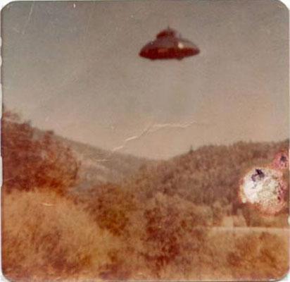 UFO:你没看过的老照片 - 苦其心志 - 文不足取,赏者自鉴