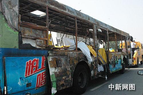 成都一公交车发生燃烧事故