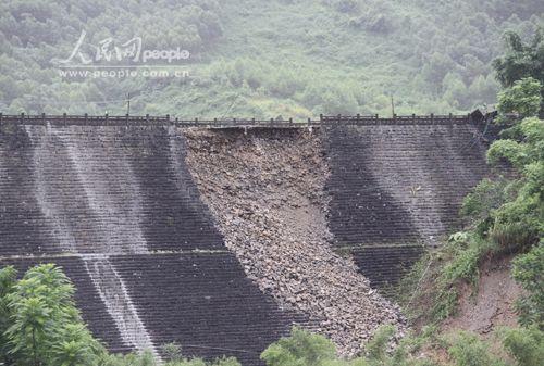 广西卡马水库出现险情紧急转移1.5万多人