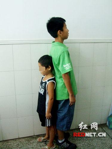 13岁男孩很自卑 我的身高才 5岁