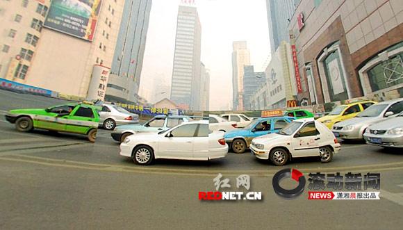 """小心""""偷窥""""! 网上长沙街景地图引侵权争议"""
