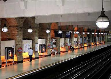 伦敦地铁站(图)