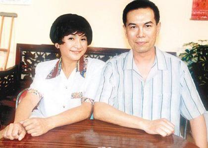 陈鸿烈两段婚姻育两子女 初恋情人是郑佩佩