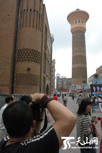 逛记者品巴扎网媒美食感受琼海多彩民族风情新疆美食博鳌图片