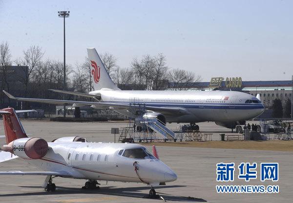 中方航班从开罗起飞 接回首批滞留埃及公民