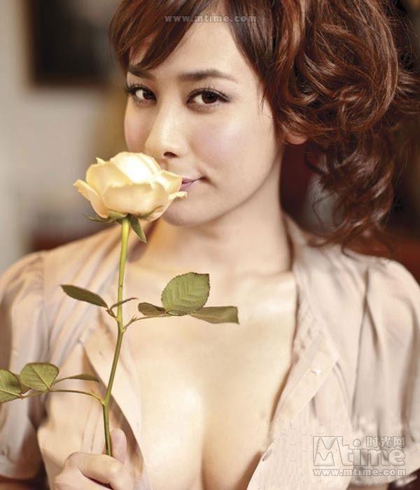 美女殷琦VS洪棠惹火对决 一个妖冶一个娇媚