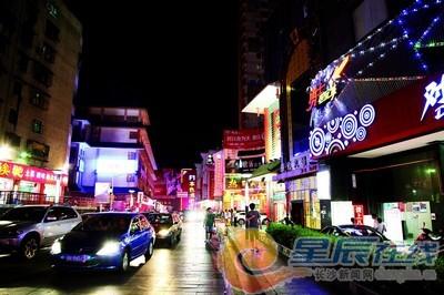 红网 湖南频道 > 正文      整洁的街道,畅通的马路,有序的交通——