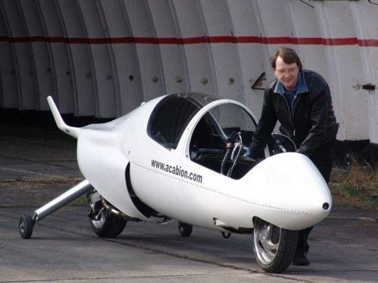 Acabion公司设计师彼德-马斯库斯曾经是保时捷、宝马和法拉利等著名汽车公司的工程师。