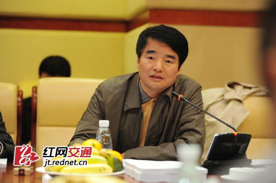 湖南省科技厅副厅长杨治平出席会议并讲话。