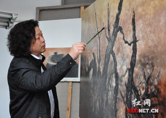 """当代艺术家坎勒:""""我做艺术要表达的是内心想要表达的东西。"""""""