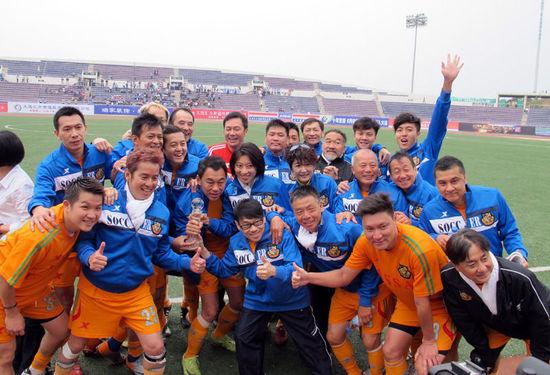 香港明星足球队签约内地 明年将举办全国巡回赛