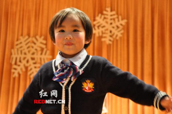 """微表情:""""外国年""""里中国孩子的灿烂笑脸(组图)"""