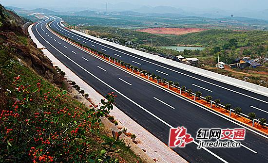 道贺高速公路:实行精细化施工管理,严抓工程质量,打造一流精品.
