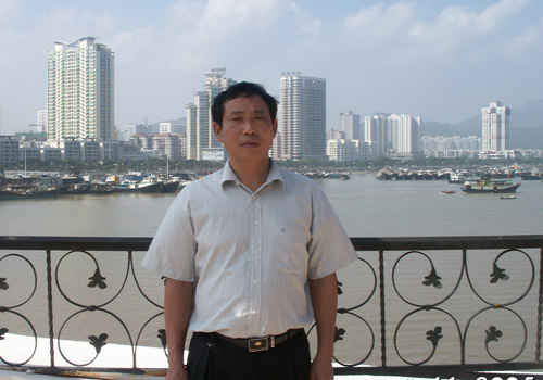 """11日长沙血液中心副主任左正荣红网谈血库如何""""破""""急"""