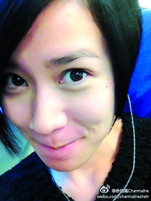 女星素颜照比拼:王菲黑眼圈深 赵薇皮肤白皙(图)