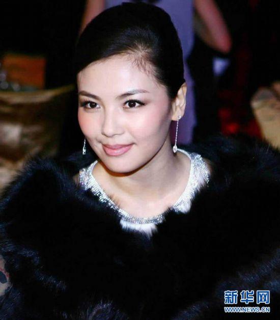 [美女]v美女娱乐圈不红却嫁的10大视频地铁明星公交美女图片