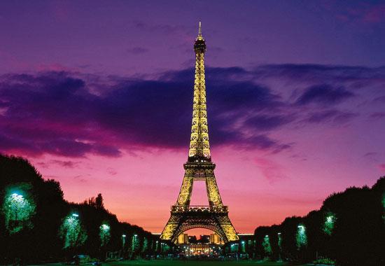 """登上艾菲尔铁塔,俯瞰""""万城之冠""""的巴黎风光"""