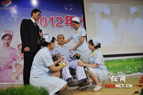 第100个护士节来临 湖南省肿瘤医院评选十大天