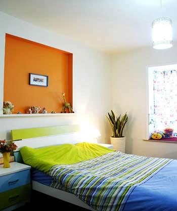效果图 卧室装修/20平卧室装修设计图:床品的造型要简洁明快,避免过于繁复的...