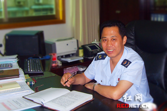 长沙市开福区国税局局长刘术其。