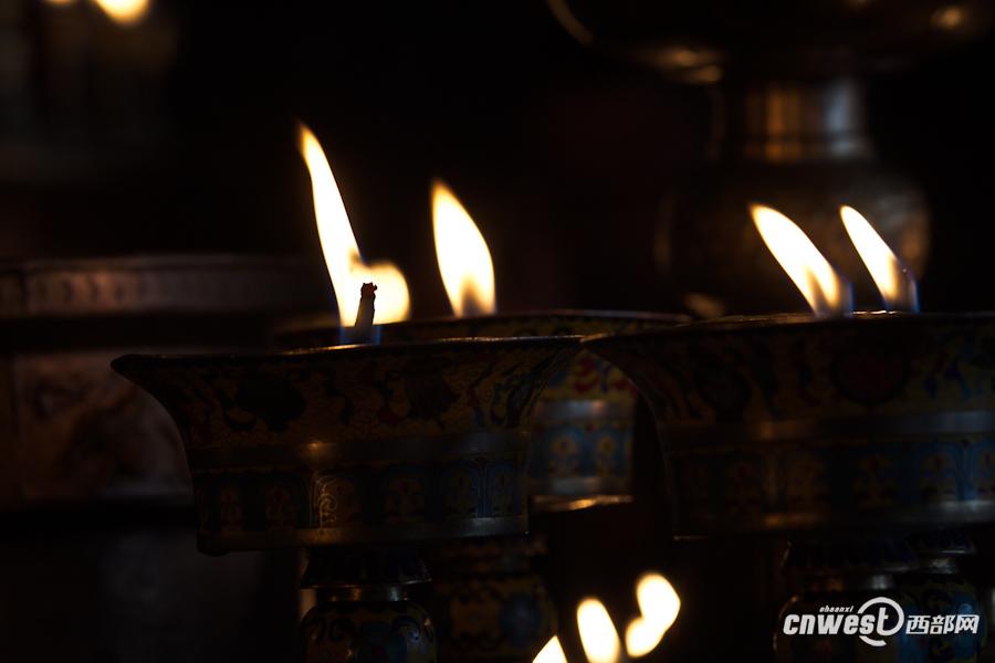 玉树采访组图 唐蕃古道的明珠 千年文成公主庙