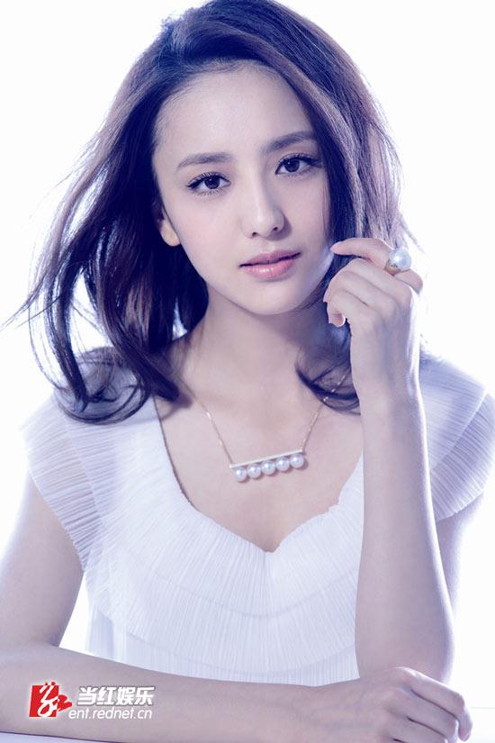 佟丽娅清新素雅时尚大片纯美尽袭夏日清凉_清