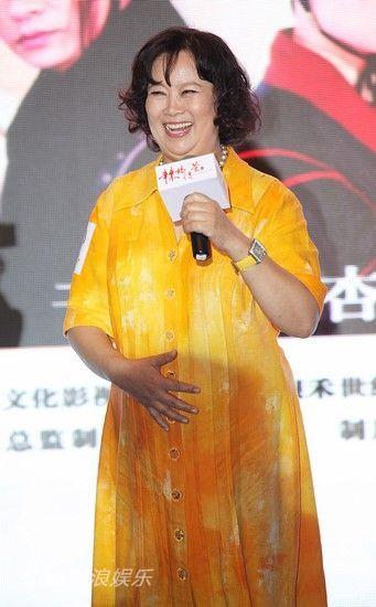 《辣妈俏爸》北京发布 胡杏儿大方回应分手