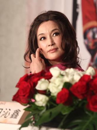 刘晓庆未PS照老态明显 坦言不排斥微整型
