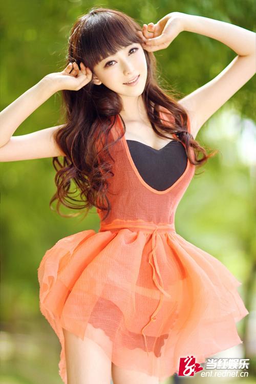 石宜可金秋田园写真 气质迷人甜美可爱