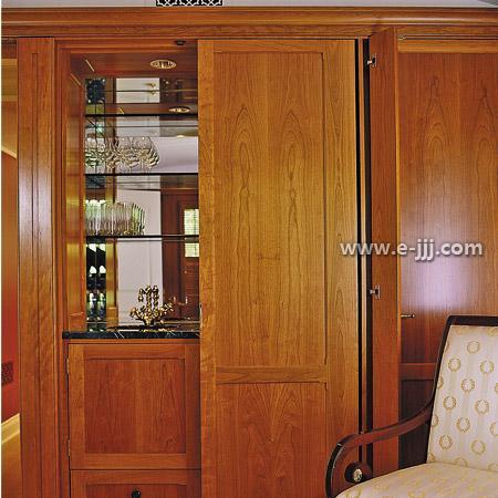 装修 效果图 酒柜/家庭酒柜装修效果图:实木打造的酒柜,拥有奢华感受的家居,让...