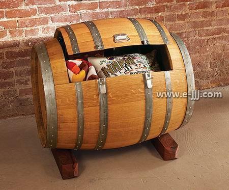 装修 酒柜/家庭酒柜装修效果图:酒桶造型的酒柜,那么就一直把复古风走...