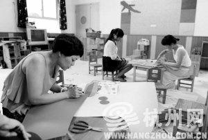 收入证明范本_揭秘朝鲜人民真实收入_浙江教师收入