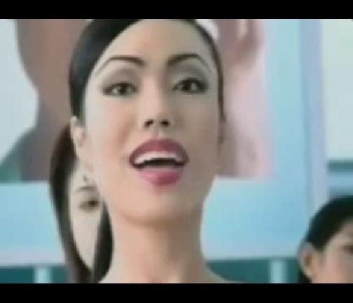 [视频]泰国人妖伤不起 吓哭要吃奶的宝宝