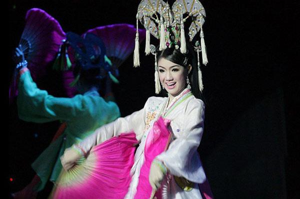美女 人妖 皇后/泰国性文化悠久泛滥