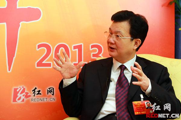 邓三龙代表说,绿色发展已成为湖南人民的一种自觉行动。