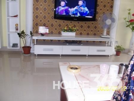 140平米装修样板房 很时尚感觉的电视柜,背景墙纸也是很经