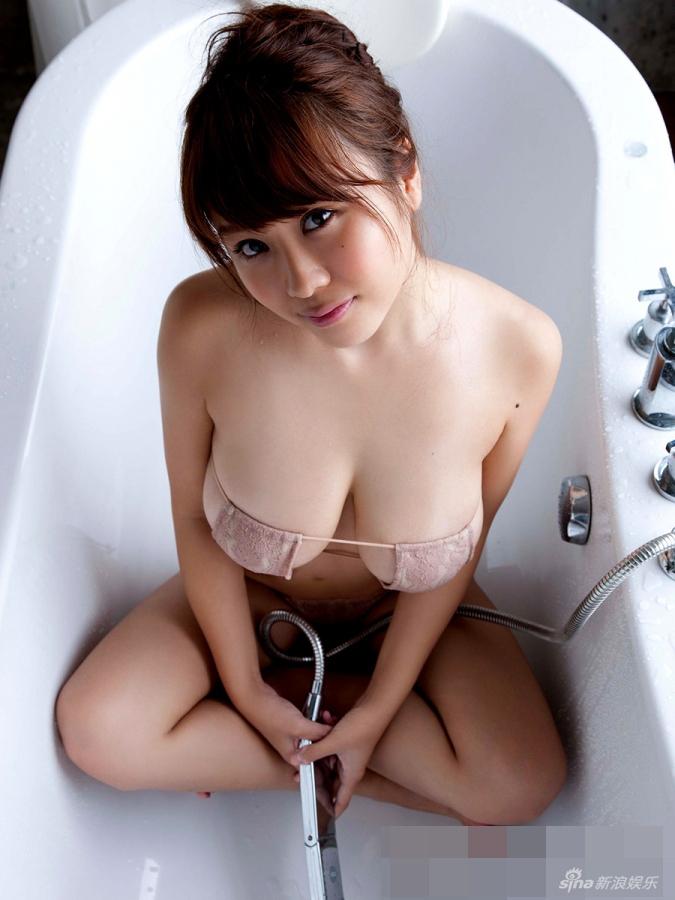 日本童颜巨乳美女西田麻衣最新写