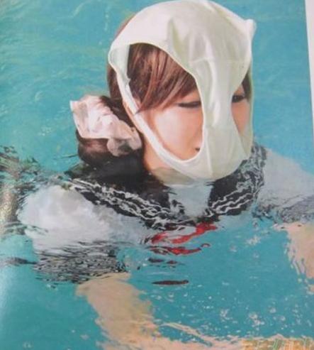 [视频]日本无情趣嫩妹节操套头写真背内裤手绳子图片