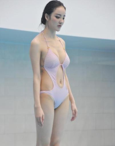 王丽坤个人资料年龄多大 王丽坤跳水露卫生巾热搜